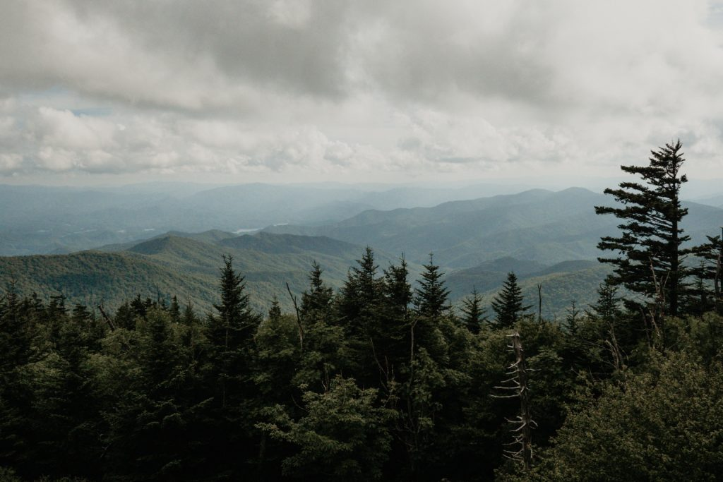 A view of the mountains over Gatlinburg Tennessee | Best Family RV Trips